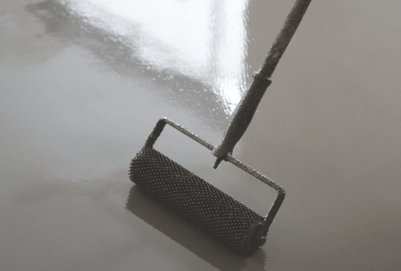 Smoothing compounds as wearing surfaces